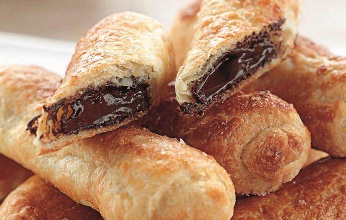 Слойка с шоколадом из слоеного теста рецепт с фото пошагово в духовке