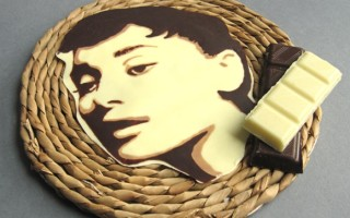 Лучший съедобный сувенир своими руками – портрет из шоколада