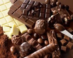 Можно ли кушать шоколад при грудном вскармливании: польза и вред