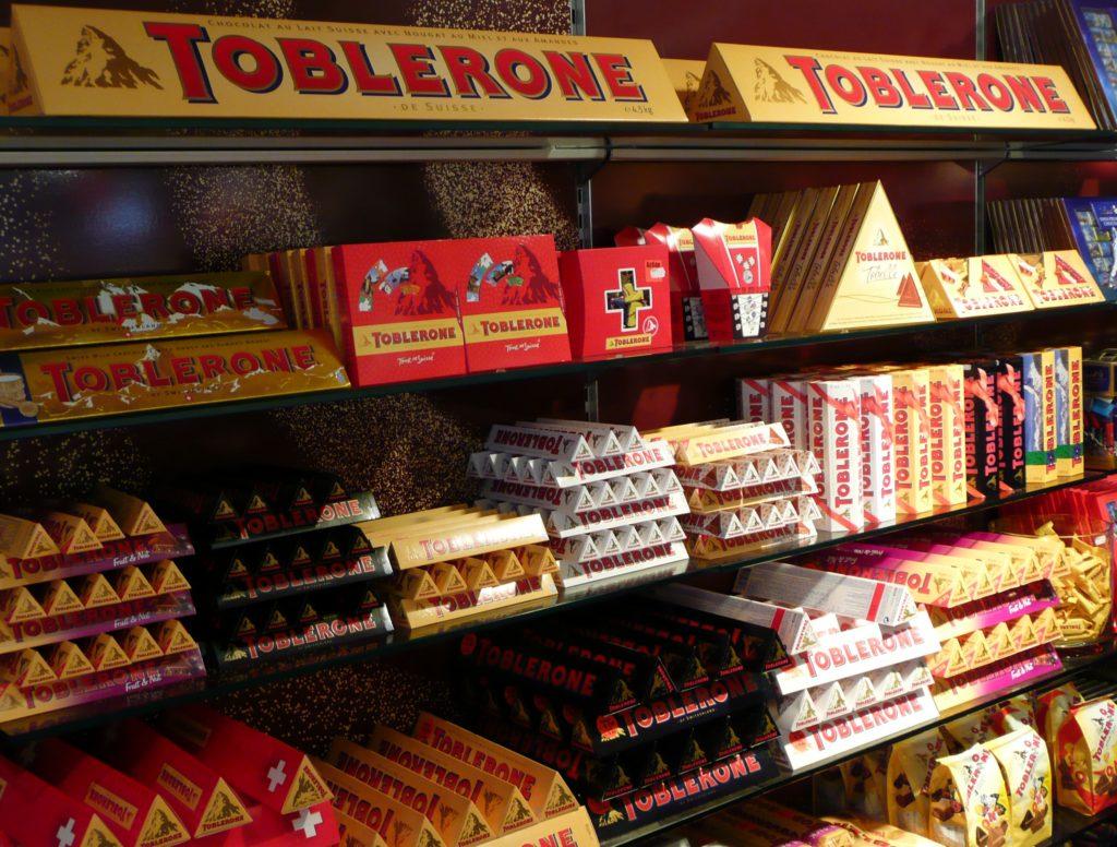 Поздравление с днем рождения из шоколадок и конфет болезни том